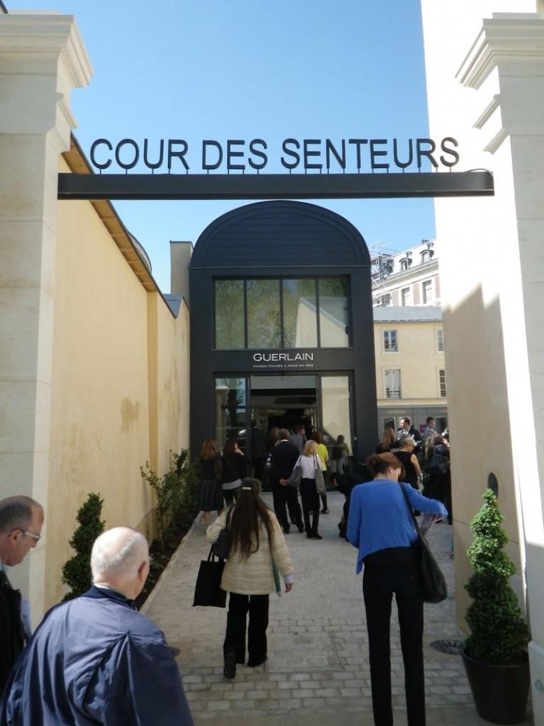 La cour des senteurs de Versailles, l'histoire du parfum en France