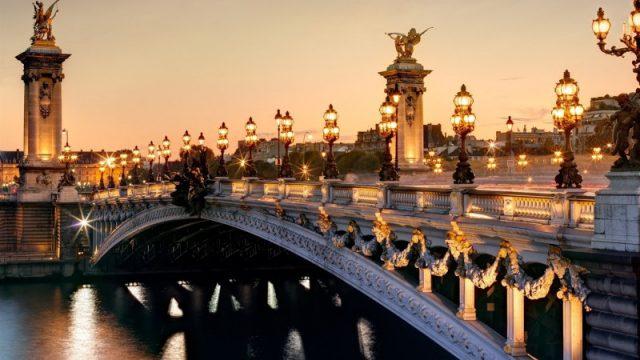 pont-alexandre-3-ville-lumiere-surnom-paris-zigzag-e1480525849101
