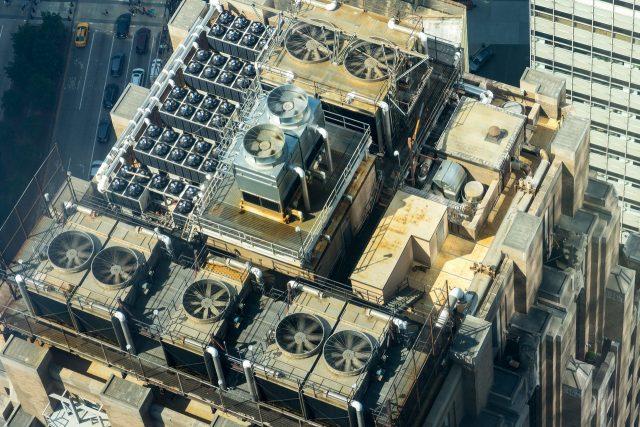 Quelle entreprise propose la pose d'une climatisation sur toiture ?